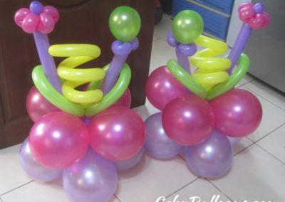 Ground-Balloon-Decoration-for-a-Barney-Theme-Birthday