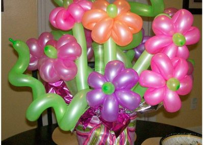 balloon_flower_decoration_centerpiece_pink_green