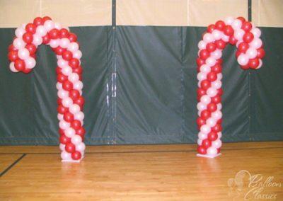candy-canes-christmas-candy-land-theme-balloon-decor-1